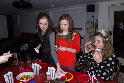 Addie, Nora and Allie decorating cupcakes during Sydney's 15th Birthday Party (11 Jan 2013)