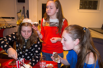 Allie, Nora and Sydney decorating and eating cupcakes during Sydney's 15th Birthday Party (11 Jan 2013)