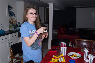 Margaret decorating cupcakes during Sydney's 15th Birthday Party (11 Jan 2013)