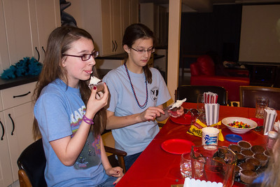 Margaret and Meredith decorating and eating cupcakes during Sydney's 15th Birthday Party (11 Jan 2013)