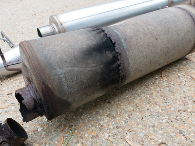New Truck Exhaust (07 May 2016)