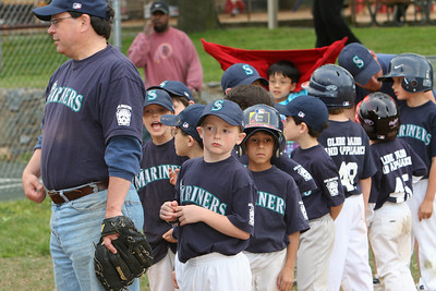 Mariners vs. Sea Dogs, 2008 Arlington Little League Baseball, Minors Division (Image taken with Canon EOS 20D at ISO 400, f5.6, 1/80 sec and 100mm)