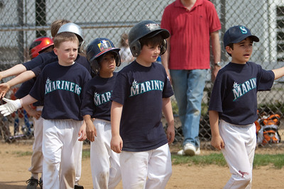 Mariners vs. Mets, 2008 Arlington Little League Baseball, Minors Division (Image taken with Canon EOS 20D at ISO 100, f2.8, 1/1600 sec and 90mm)