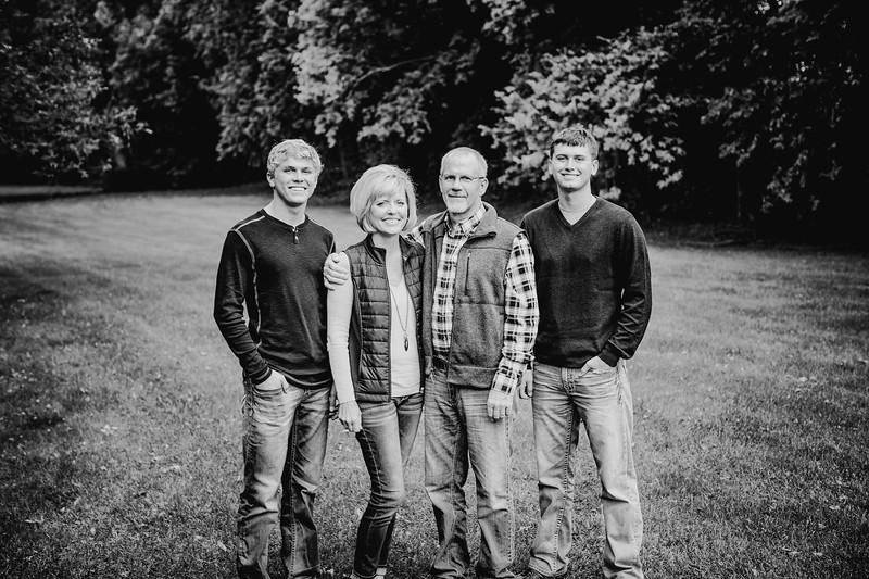 00020--©ADHphotography2017--Pearson--Family--FallMini