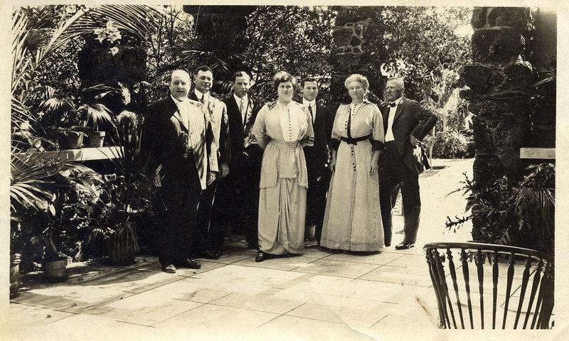 Bertha  Pechner and family