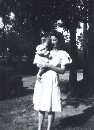1944 Annie Kennedy Geary with Annie Marie Geary