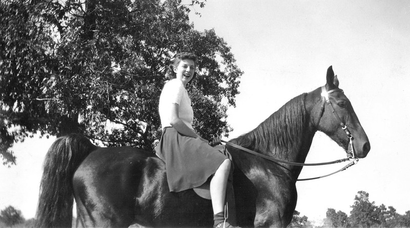 1939 Annie Kennedy on a horse