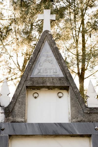 Tumba en el cementerio de Santa María del Pinel