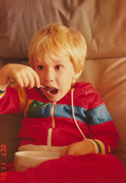 Sean eating (11-10-86)