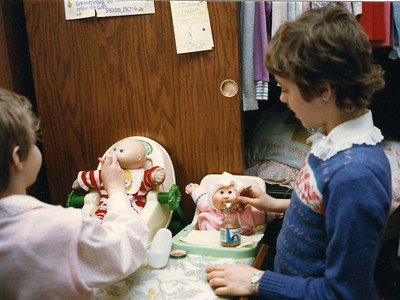 Elissa & Angie at feeding time with their Cabbage Patch babies