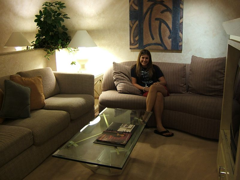 Shannon living it up in her Bally's Penthouse Suite!