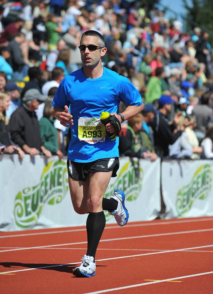 Jeff Kazmucha runs a 3:45