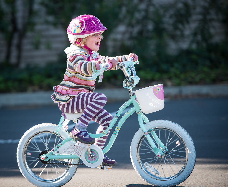 Evie learns to bike 2013
