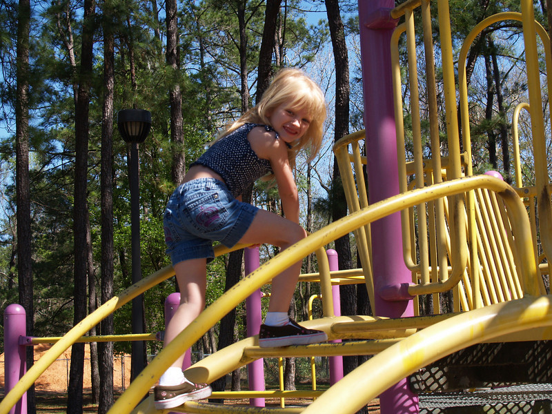 That's my girl, Piper!!! Age 5 (February 2008)