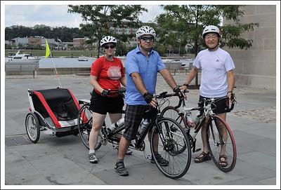 4 on a bike, plus 2.