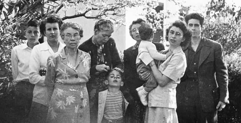 Robert, Marie, Carrie, Louise, Roger, Carol, Dick, Helen, Louis.  Binder 1939-1955 p.46-03, Group photos Palo Alto, April 14, 1946.