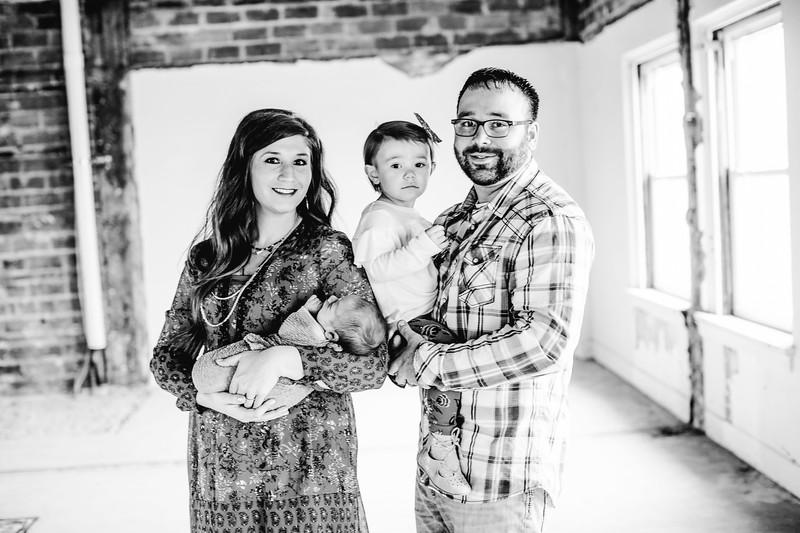 00022--©ADHPhotography2017--LukeJennyPoore--Family