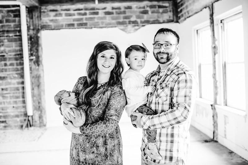 00002--©ADHPhotography2017--LukeJennyPoore--Family
