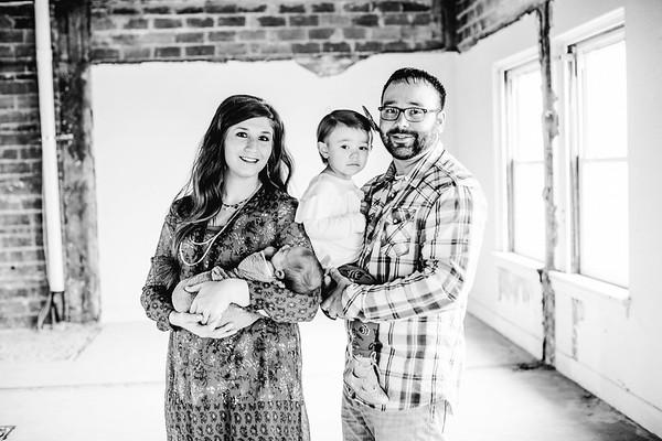 00020--©ADHPhotography2017--LukeJennyPoore--Family