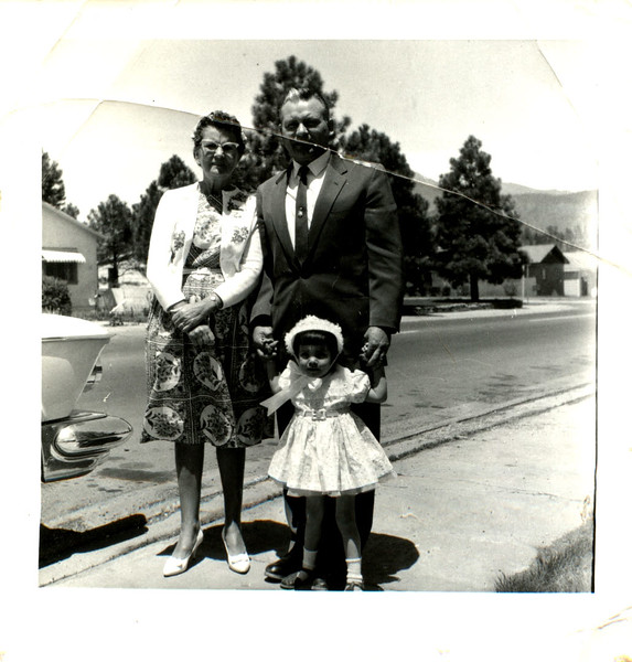 Grandma Alice , dad, Annette Easter on humphreys street