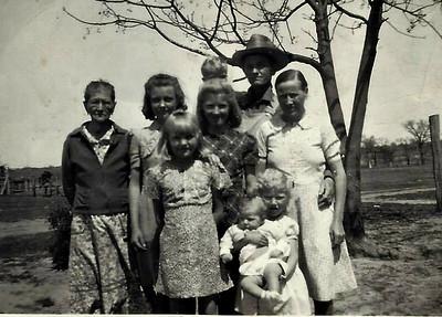 Grandma Herron, Bert, Hattie, Dorothy Papa and Granny (and other kids).
