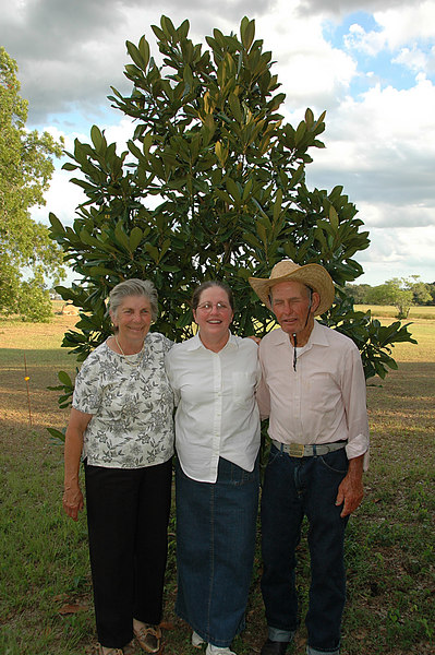Sandy & I went to the Ranch to see Tex & Memom on Father's Day. They are standing in front of a Magnolia tree that Tex has nursed along for years. Somebody tell Tex to open his eyes.