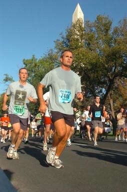 2006-10 - Randy in Marines Marathon in D.C.