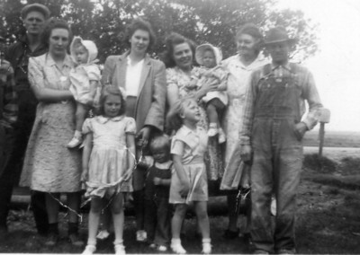 Walter, Howardene with Dianne, Laura, Delores with Marge, Hulda, Jens  in back Joanne, Janet and Darlene in front -  1942