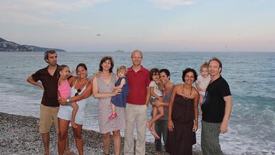 Jacob Nielsen , Delphine Roux et Evie : vous êtes magnifiques. Delphine : je te piquerais bien ta robe : pointillisme... !