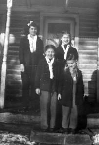 Siblings- 1945