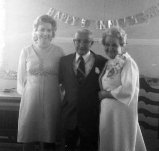 Lois, Clarence & Mabel (Olsen) Rich
