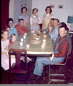 1960/61 at the Wetzsteins Nancy R, Cindy, Carolyn, Nancy Q, David, Olive, Millie, Marilyn, Jimmy, Joe, Charlie?, Leonard