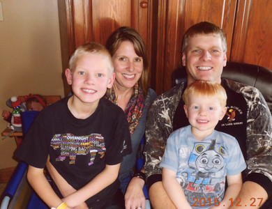 Nicole, Mike, Brandon(8) & Ryder (4) Messenger