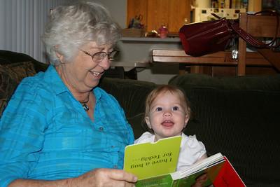 Reading with Grandma Woodmansee 2008-04-30 016