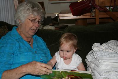 Reading with Grandma Woodmansee 2008-04-30 003