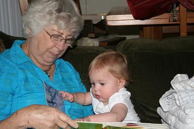Reading with Grandma Woodmansee 2008-04-30 005
