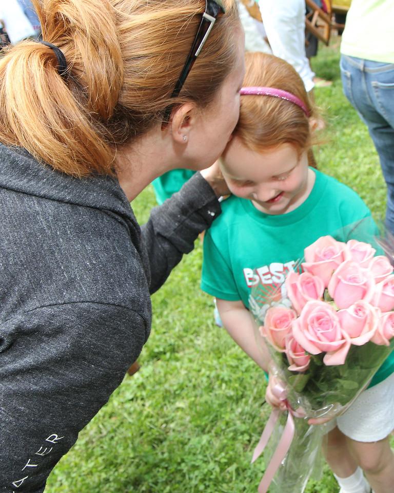 A dozen pink roses for Princess Reagan!