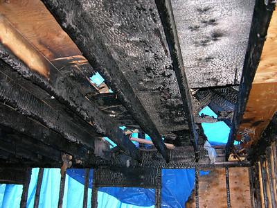 DSCN0162-09-28-04 MBrm ceiling