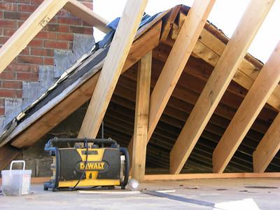 DSCN1797-11-30-04 roof jctn bonus rm