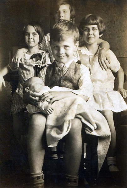 The Fulton Children with cousin Tink - 1926