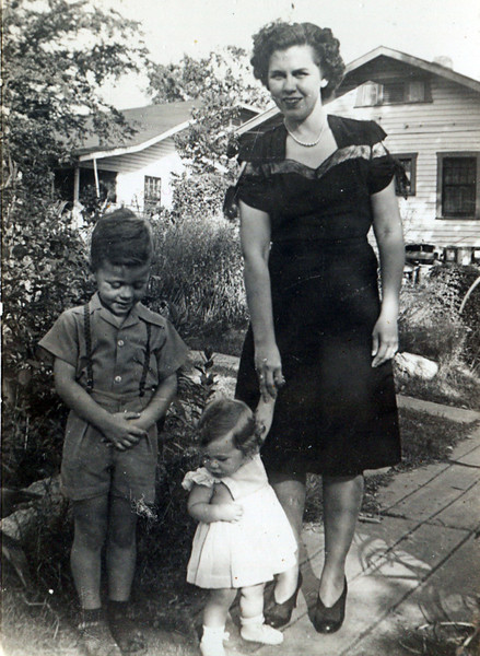 Dorothy Blankenship (Fulton) with Children Dick & Shirley (died 1977 in Annapolis, MD.)