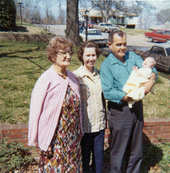 Heloise Yarbrough (Chappuis), Mary & Jim Yarbrough with Erin Yarbrough (Patterson)