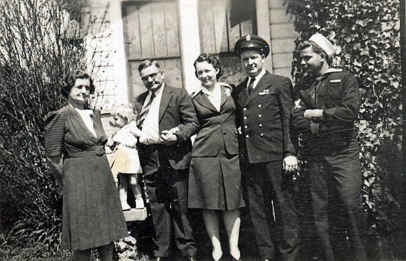 Heloise and Bert Yarbrough (at home in Central Park March 1944) From left: Heloise, Sylvia?, Bert, Katy (Bert's first wife, later deceased), Bert Junior, Bob (youngest son).