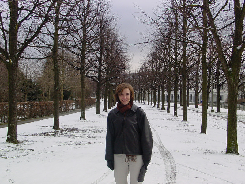 Rena in front of the Karlsruhe Schloss