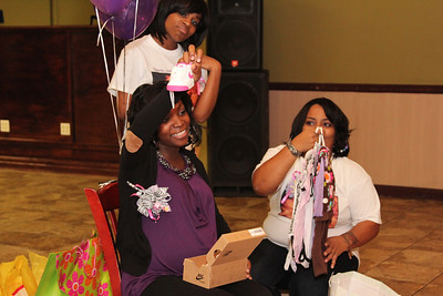 Re'onna's baby shower (32)