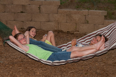 Sydney and Rachel Kane and Katie Cano. 2010 Kane / Kennemer Family Reunion in Canton, Texas (Image taken by Patrick R. Kane on 19 Jul 2010 with Canon EOS 20D at ISO 200, f4.5, 1/60 sec and 57mm)