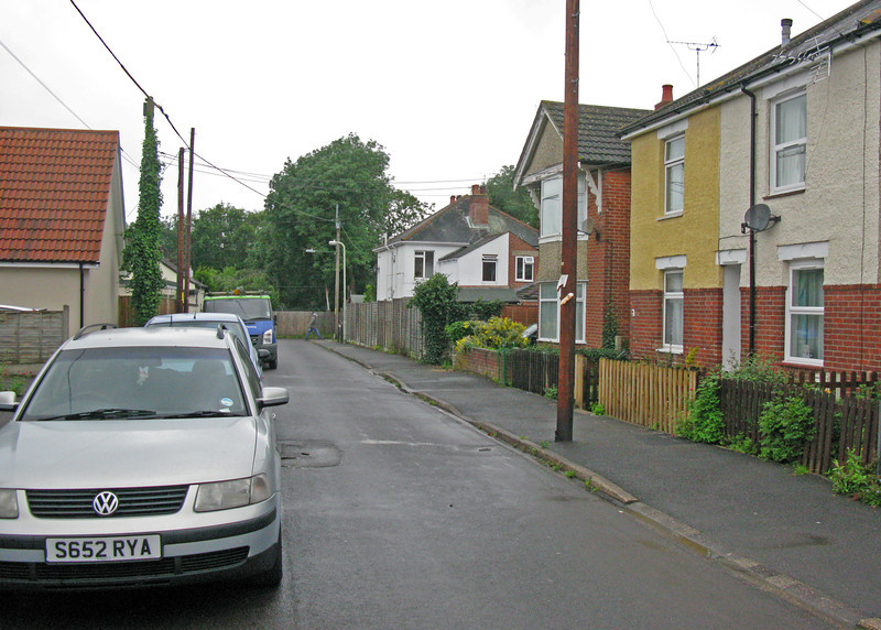 Brokenford Ave.