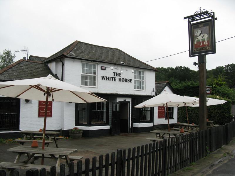 The white Horse Pub at Netley Marsh