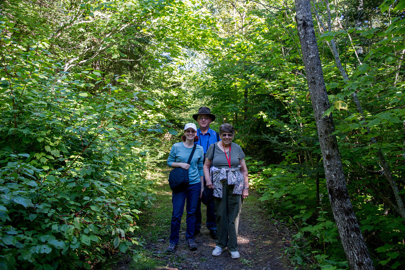 Hiking in Canada to Pigeon River Falls