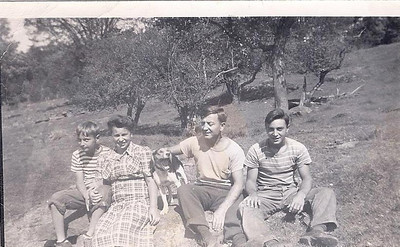 Roots: Old Pictures of Goldberg Family